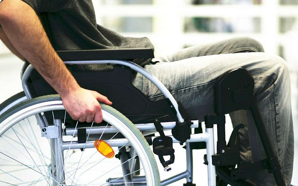 You are currently viewing Are you searching for Paralysis care at home? Contact us!